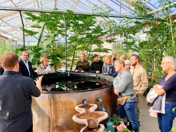 Aquaponics farm cultivation green house glass sweden